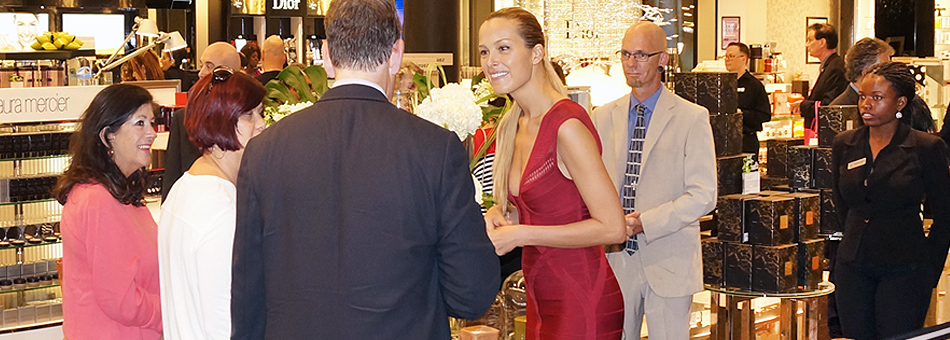 Petra Nemcova presentó su colección en la ciudad de Aventura