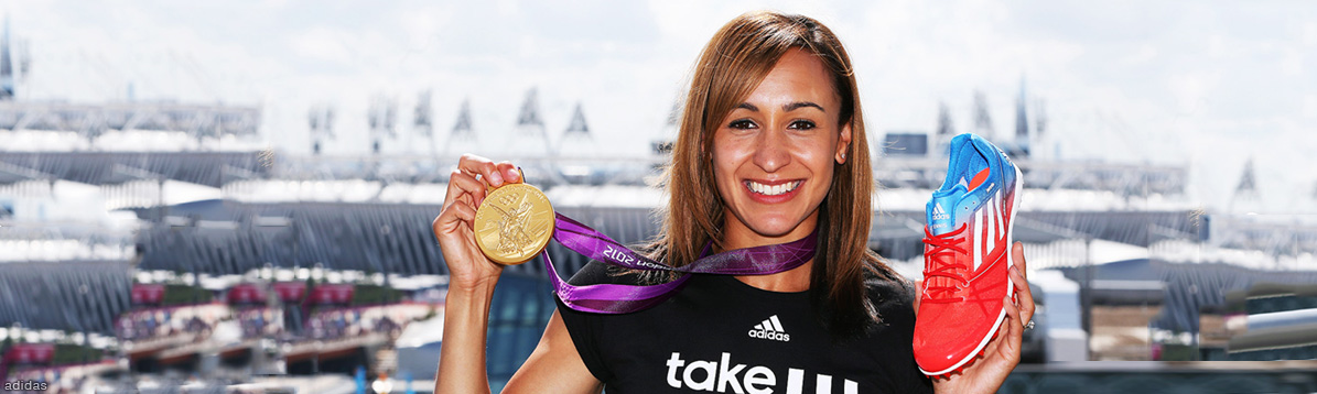Jessica Ennis y Laura Trott celebran la conquista del oro olímpico en Londres