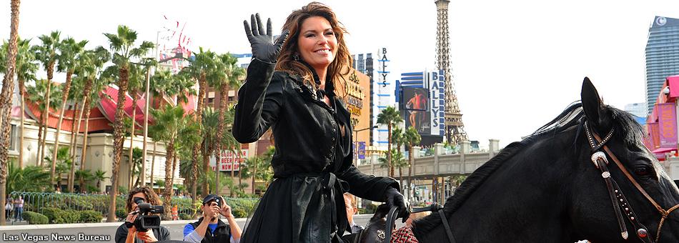 La cantante Shania Twain se pasea triunfal por las calles de Las Vegas